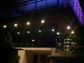 Benedetto-Fassade-Nacht